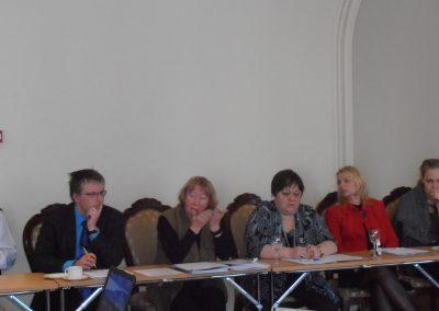 Helgi Org saksa keele õpetajate seisukohti selgitamas.