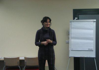 Anu Haamer selgitamas klassikalise ja suhtluspõhise loengu võimalusi.